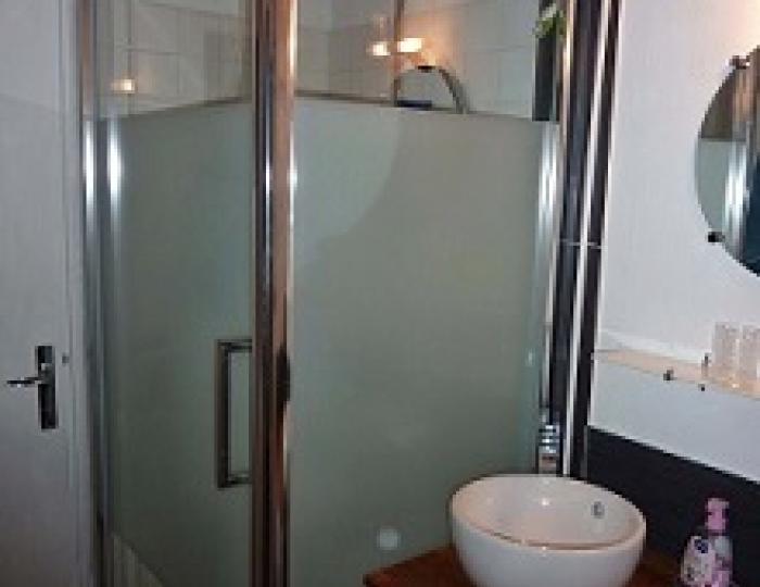 Salle de bains avec Douche 80 x 80 - WC séparés
