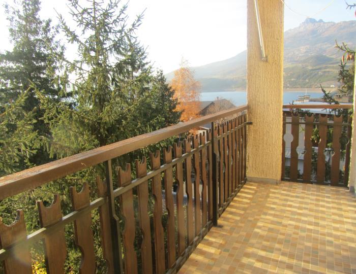2 balcons plein sud avec vue sur lac et montagnes